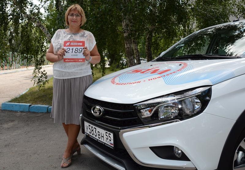 Сюрприз на финише: участница марафона в Омске выиграла автомобиль!