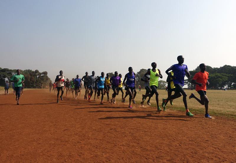 Как тренируются кенийские бегуны