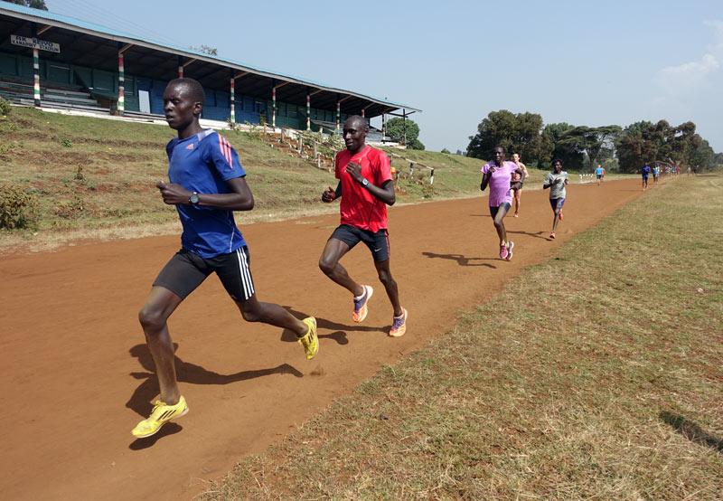 kenian-runners-training-3