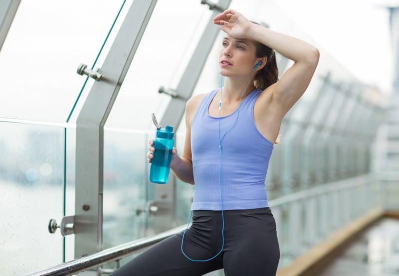 Как избавиться от повышенного мышечного напряжения и усталости: 5 простых упражнений