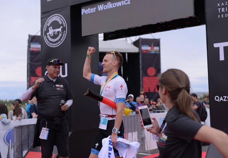 Российские спортсмены на пьедестале Ironman70.3Astana 2018