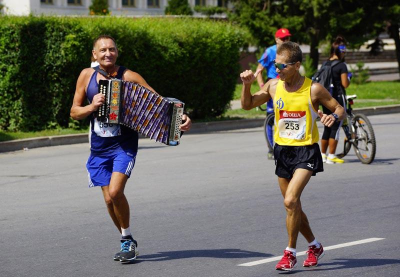 Пробеги Сибирский международный марафон в Омске и получи автомобиль!