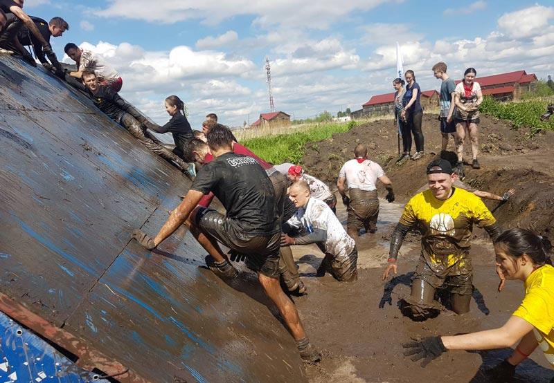 Экстремальный забег «Стальной характер» 2018 в Тобольске собрал почти 1500 участников
