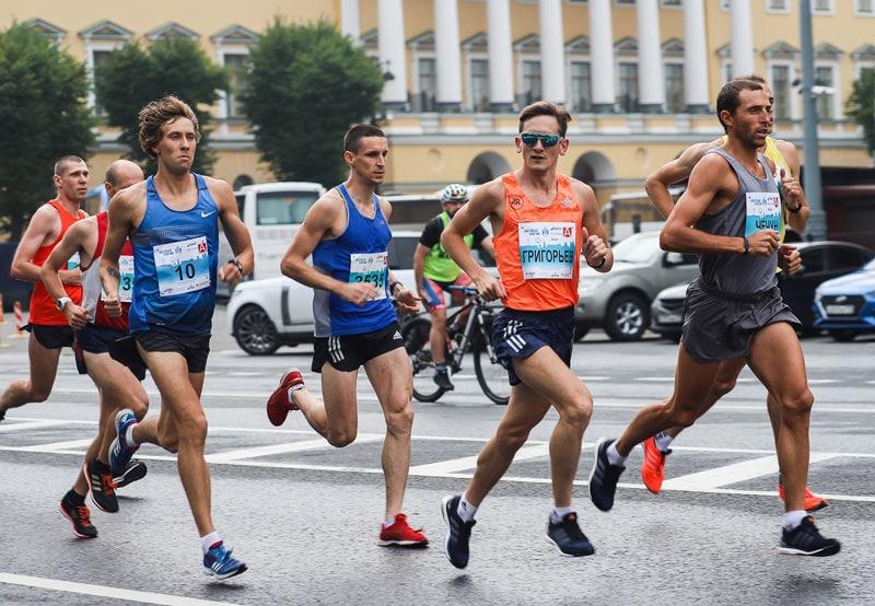 В погоне за результатами: как выполняется хронометраж на крупнейших марафонах страны