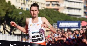 2:42 мин/км! Жульен Вандерс установил новый мировой рекорд в беге по шоссе на 5 км