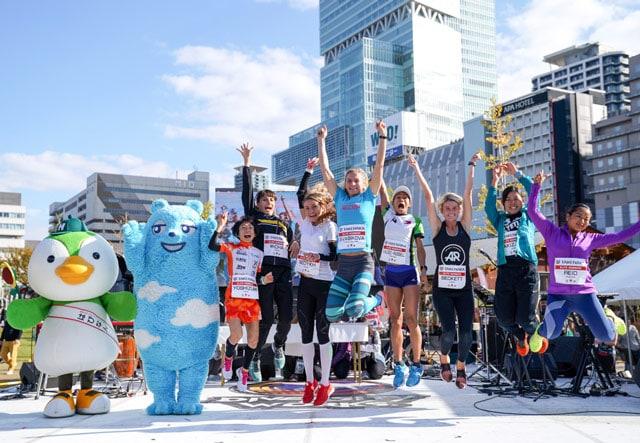 На финише забега серии Vertical World Circuit в Осаке, Япония. Наталья третья слева.