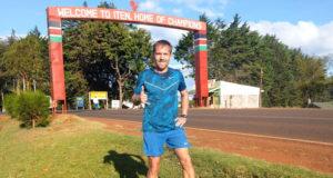 Русские бегуны в Кении: Денис Артамонов о жизни и тренировках в Африке