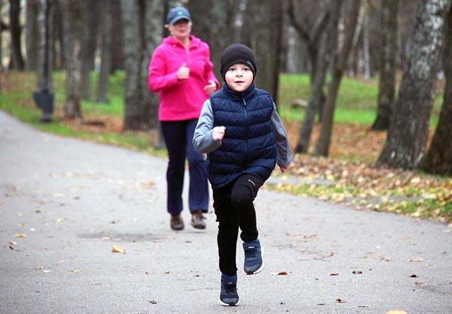 С какого возраста дети могут начинать бегать