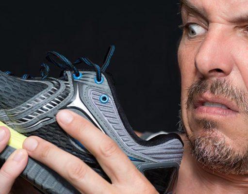 Как убрать неприятный запах из кроссовок для бега