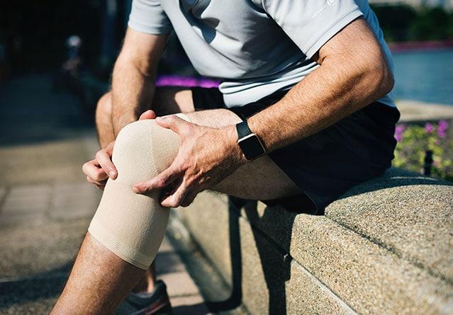 Что делать бегуну, если заболели колени