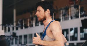 Иван Моторин о тренировках и мировом рекорде в беге на 50 км на беговой дорожке