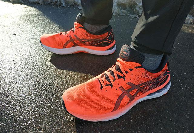 ASICS Gel-Nimbus 23: обзор мягких кроссовок для длительных пробежек