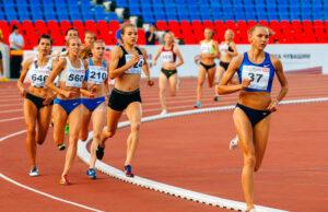 Константин Холмогоров и Александра Гуляева стали лучшими на чемпионате России в беге на 800 метров