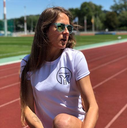 Бег в Великобритании: Екатерина Преображенская о школе бега, культуре беговых клубов в Англии и о том, как учить английский на бегу